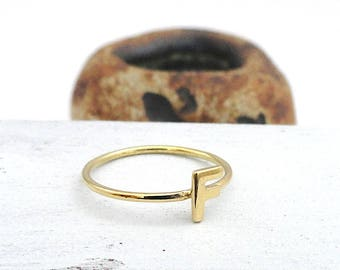 initial ring,gold ring
