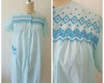 Vintage 60s, 1960s pajama robe, sleepwear, blue nighty, embroidered nightgown, pyjama, size medium
