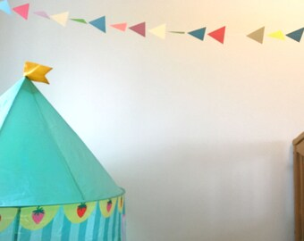 Modern triangle geometric paper garland - baby shower party decoration - room decor - nursery - bedroom - playroom