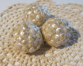 Decorative Sea Shell Ball  - Pearl  (Small)
