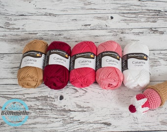 Selected yarn for pattern ice-cream wafer and scoops of ice-cream