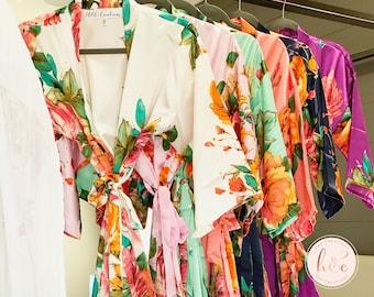 Set of 8 Robes, Bridesmaid Robes, Flora Robes, Bridesmaid Gift, Bridal Robe, Satin Floral Robe, Bridesmaid Gifts, Bridal Robes Set