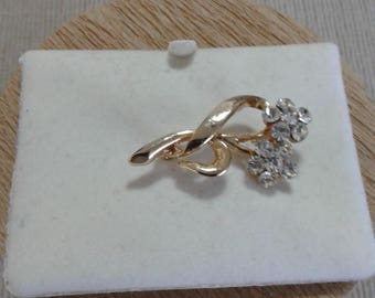 Gold Plated Clear Stone/Glass Floral Brooch