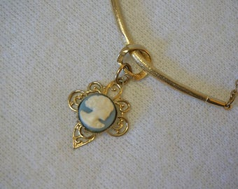 Vintage Gold Cameo Pennant Necklace