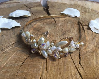 Bridal headband with crystals and pearls in gold -Rona
