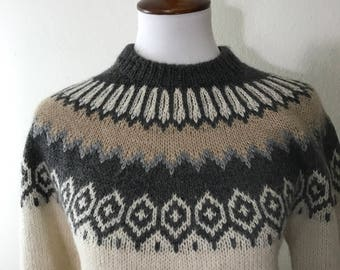 Handmade Soft Wool Sweater in Traditional Icelandic Lopi Style