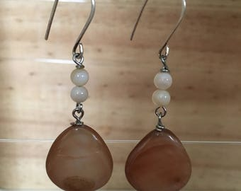 Long earring with Brown Shell pendant
