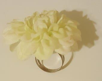 White floral adjustable ring