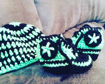 Baby converse booties with hat