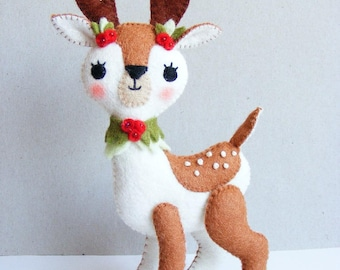 Felt PDF sewing pattern - Christmas fawn - felt softie, Christmas decoration, hand sewing DIY project, digital item