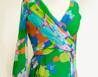 Ms Elliotte float sleeve 1970s maxi dress