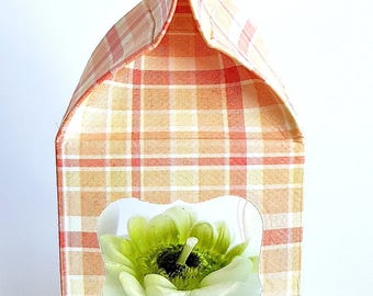 3D flower tea light for a cozy home and for garden lovers wrapped in an adorable paper milk box ready for giving it away