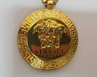 Original Versace perfume pendant with chain. 68cm (can be shortened)