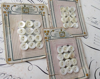 Vintage Victorian Carded 36 Mother Of Pearl Sea Shell Nacre Buttons Circa 1900-1910  Group B
