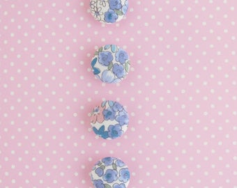 19mm Fabric Covered Buttons | Four 3/4 inch shank back buttons in a sweet floral print.