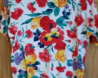 Vintage 80s floral short sleeve shoulder pad top blouse size medium/large