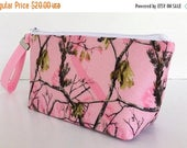 FINAL MARKDOWN makeup bag, wristlet, pink camo, realtree, zipper bag, zipper pouch, purse organizer, small purse, clutch (548)