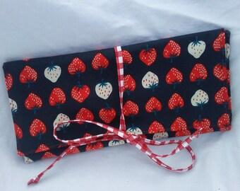 Interchangeable Needle Case - Strawberry Picnic
