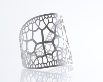 Corollaria Bracelet | lasercut rubber jewelry | Corollaria collection