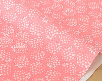 Japanese fabric Lecien Old New 30s Collection Strawberries - pink, cream - 50cm