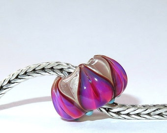 Luccicare Lampwork Bead - Lily -  Lined with Sterling Silver
