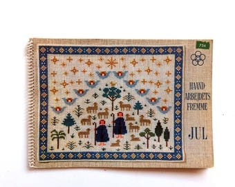 Vintage 1960s Danish Christmas Needlework Embroidery Pattern Book, Haandarbejdets Fremme jul, Dansk Design, Scandinavian Holiday Crafts