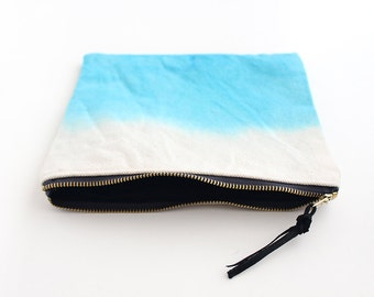 Aqua dipdyed pouch with zipper II