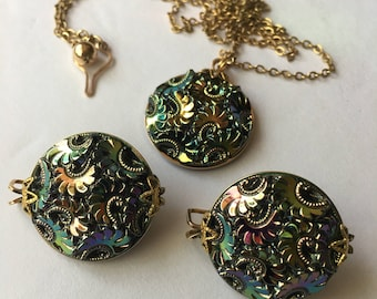 Hillcraft  Castlecraft Black Aurora Borealis Pressed Glass Necklace and Earring Set Mid Century Non Pierce Earring