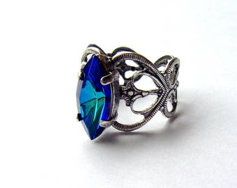 Bermuda blue rhinestone ring / antiqued silver / Swarovski crystal / adjustable / gift for her / unique / girlfriend gift / vintage style