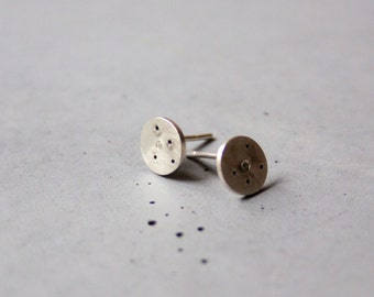 Sterling Silver Round Earstuds with Stars and tiny Zircon Stone - Minimalist silver earstuds - Circle earring