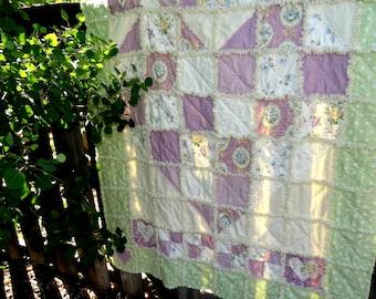 "Handmade Rag Quilt ""COTTAGE SWEETHEART"""