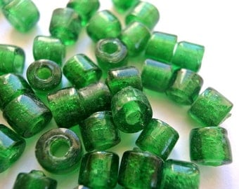 15 Vintage glass beads unique green  9mm