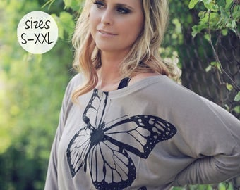 slouchy tee, slouchy shirt, butterfly shirt, slouchy sweatshirt, graphic tee, plus size clothing, trendy plus size clothing, butterfly wings