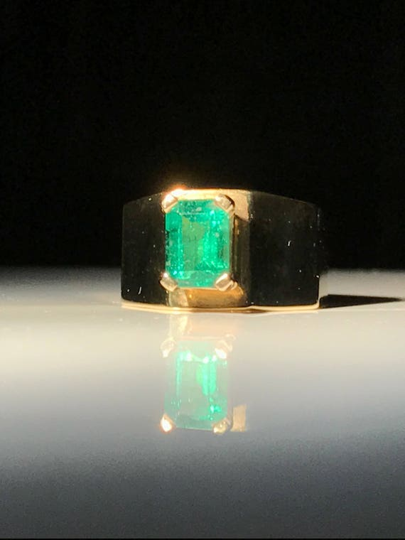 18K Gold Emerald (1.3ct) Ring