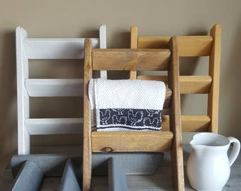 Mini wood ladder, for tea towels or bathroom wash cloths