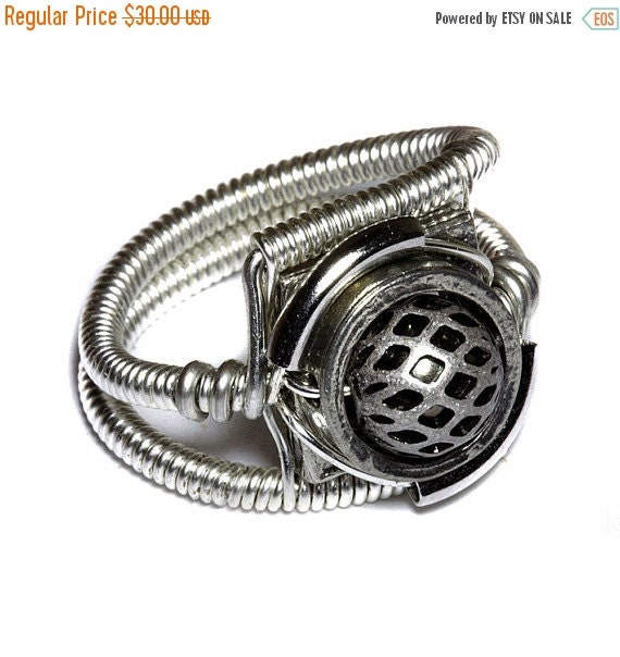 HAPPY HOLIDAYS SALE - Steampunk Jewelry - Ring - Silver tone