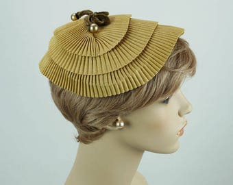 Vintage 1950s Hat Beige Pleated Clip Style