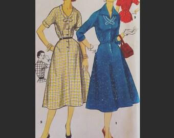 Vintage 50s Shirtwaist Day Dress w/ Collar Detail Half Size Sewing Pattern 1356 B35