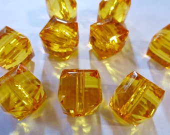Vintage Amber Faceted Lucite Cube Beads 17x15mm (10)