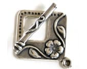 Floral Silver Plated Toggle Clasp 43524 (2) Silver Jewelry Clasp, Flower Toggle Clasp, Square Toggle Clasp, Bracelet Toggle Clasp