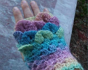 Crochet Dragon Gloves