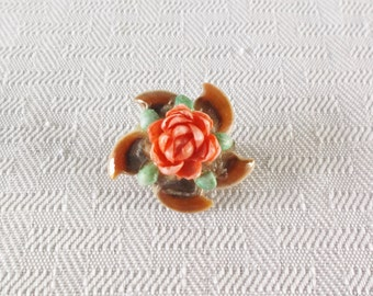 60s 70s Vintage Coral Color Rose Pinwheel Brooch Made of Seashells