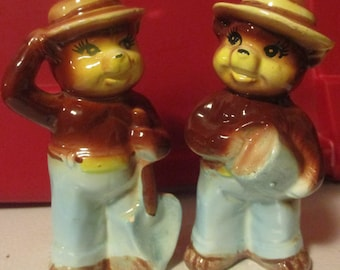 Smokey the Bear Made in Japan Ceramic S&P Shaker Salt Pepper Kitschy Bear Yosemite