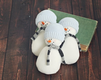 snowman stuffie // newborn photo prop // winter prop // baby photography // boy // girl // Frosty prop // stuffed photo prop // lovie