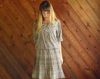 extra 30% off sale . . . Silky Geo Printed Mini Secretary Dress - Vintage 70s 80s - MEDIUM