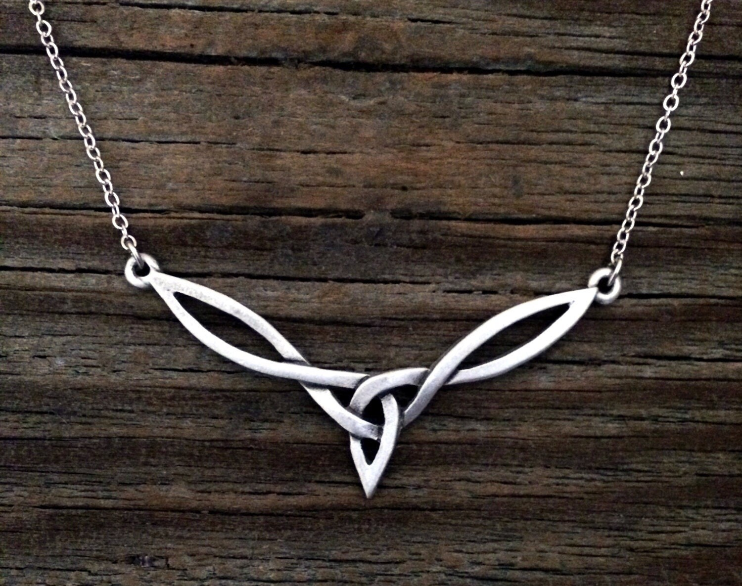 celtic knot necklace by treasure cast pewter irish celtic. Black Bedroom Furniture Sets. Home Design Ideas