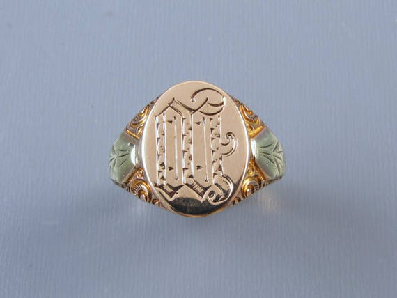 Mans antique Edwardian 6.8 gram 10k two tone gold carved signet ring signed Ostby Barton, size 10-1/4