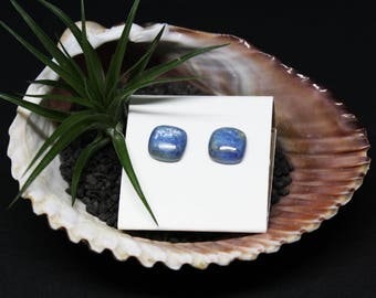 Kyanite Gemstone . 10mm Square Domes . Sterling Silver Posts Studs Earrings . Frosty Periwinkle Blue . E15102
