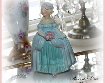vintage shabby chalkware figurine statue  pink roses Southern Belle   Victorian   Marie Antoinette