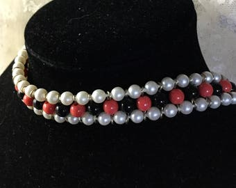 Very Choker Faux Pearl Red Black Bead Choker Necklace Unsigned 1950's 1960's Ladder Style Silver Tone Metal Very Feminine